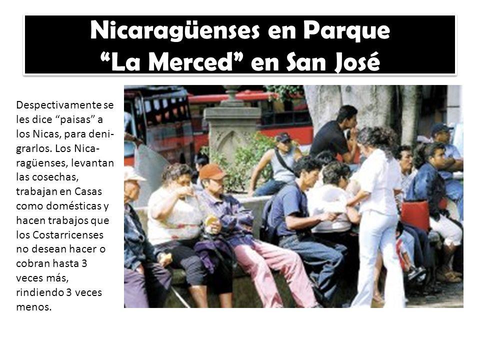 Nicaragüenses en Parque La Merced en San José