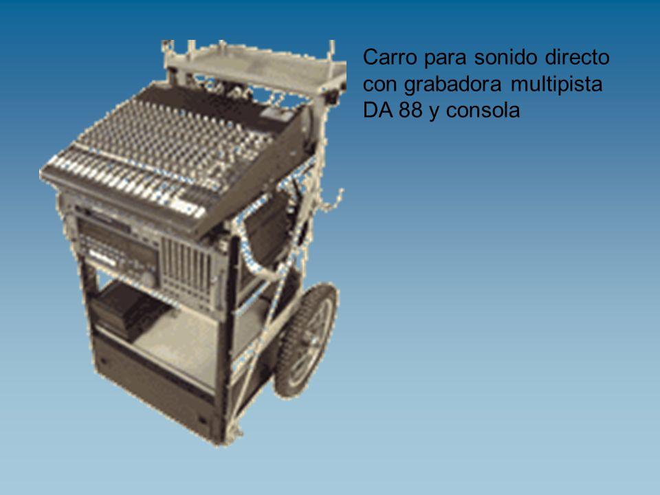 Carro para sonido directo con grabadora multipista DA 88 y consola