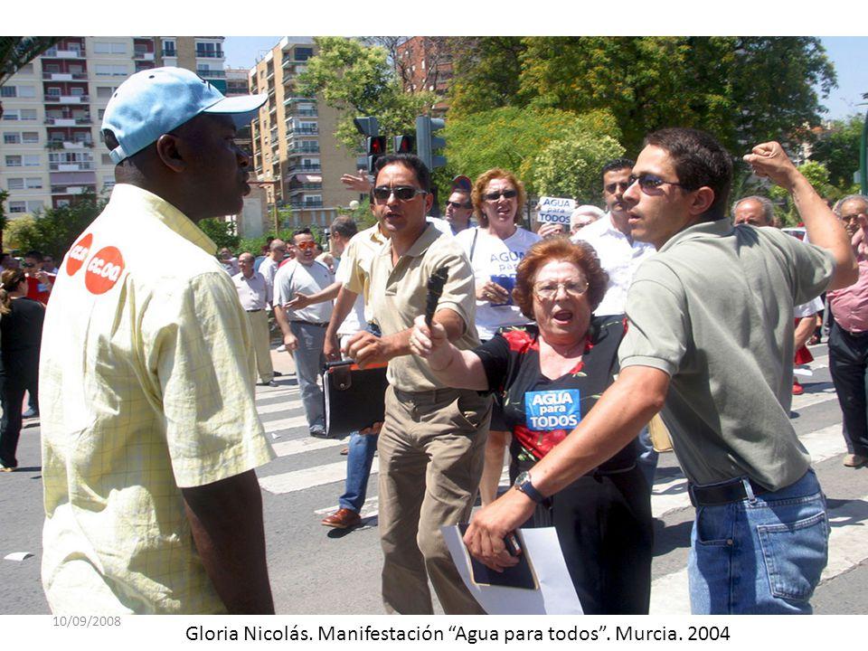 Gloria Nicolás. Manifestación Agua para todos . Murcia. 2004