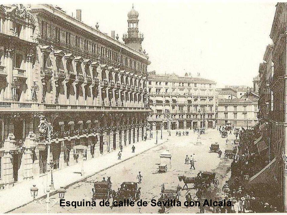 Esquina de calle de Sevilla con Alcalá.