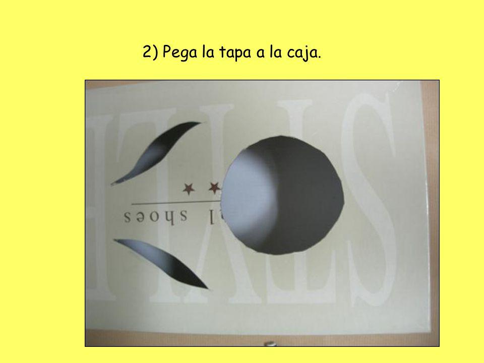 2) Pega la tapa a la caja.