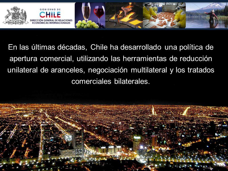 En las últimas décadas, Chile ha desarrollado una política de apertura comercial, utilizando las herramientas de reducción unilateral de aranceles, negociación multilateral y los tratados comerciales bilaterales.