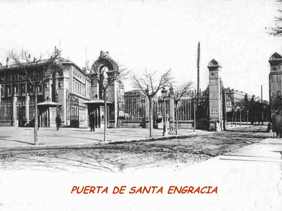 PUERTA DE SANTA ENGRACIA
