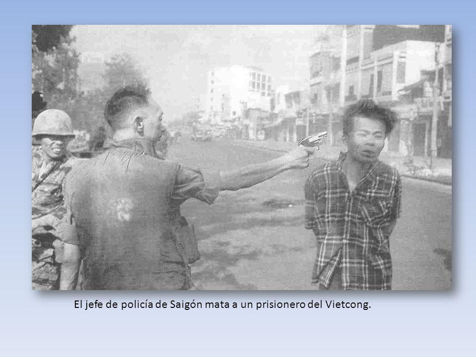 El jefe de policía de Saigón mata a un prisionero del Vietcong.