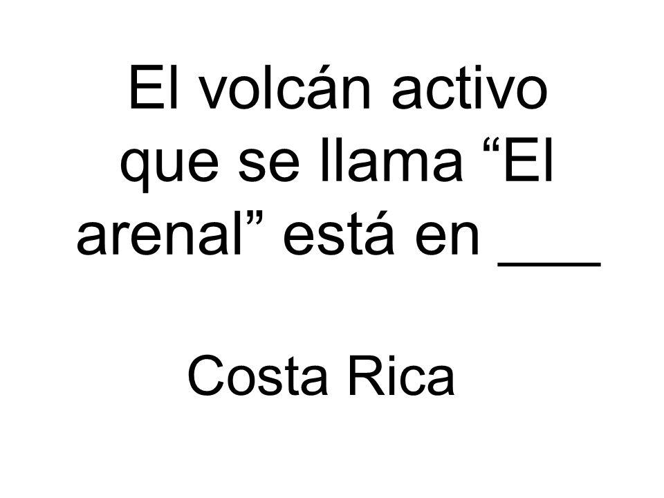 El volcán activo que se llama El arenal está en ___