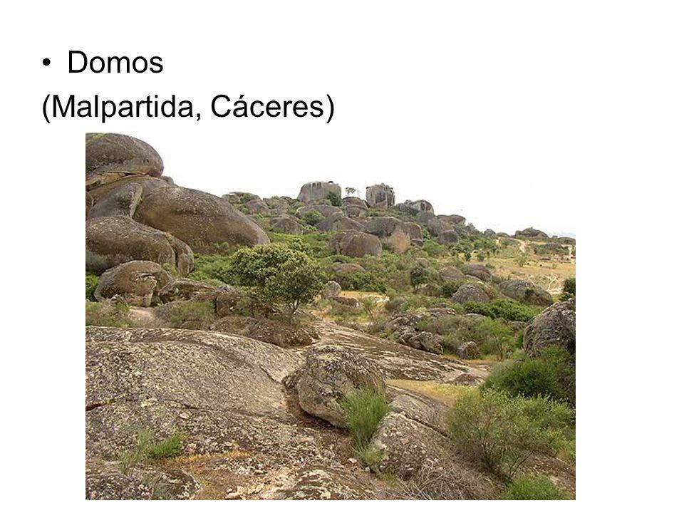 Domos (Malpartida, Cáceres)