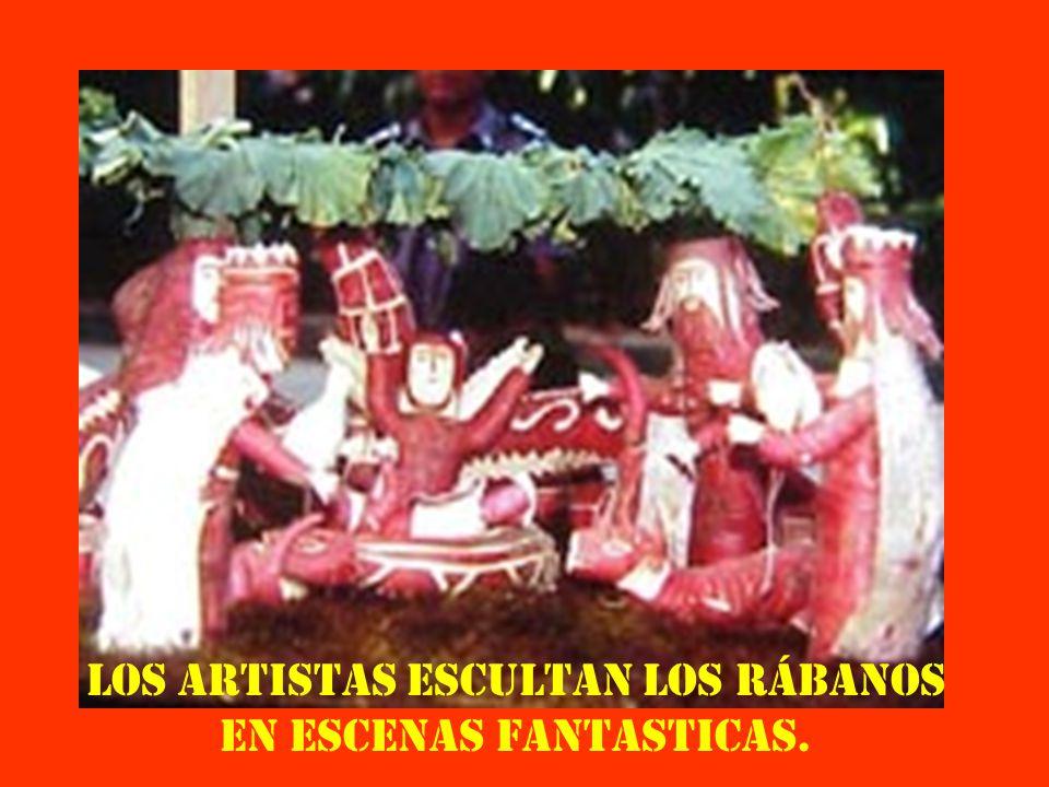 Los artistas escultan los rábanos en escenas fantasticas.