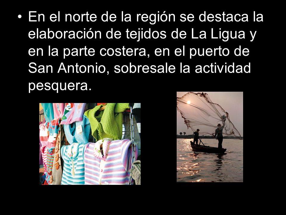 En el norte de la región se destaca la elaboración de tejidos de La Ligua y en la parte costera, en el puerto de San Antonio, sobresale la actividad pesquera.