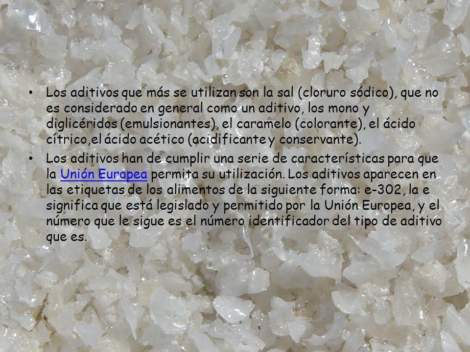 Los aditivos que más se utilizan son la sal (cloruro sódico), que no es considerado en general como un aditivo, los mono y diglicéridos (emulsionantes), el caramelo (colorante), el ácido cítrico,el ácido acético (acidificante y conservante).