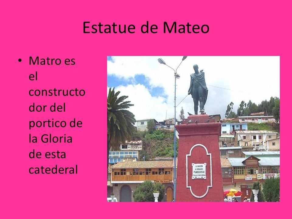 Estatue de Mateo Matro es el constructodor del portico de la Gloria de esta catederal