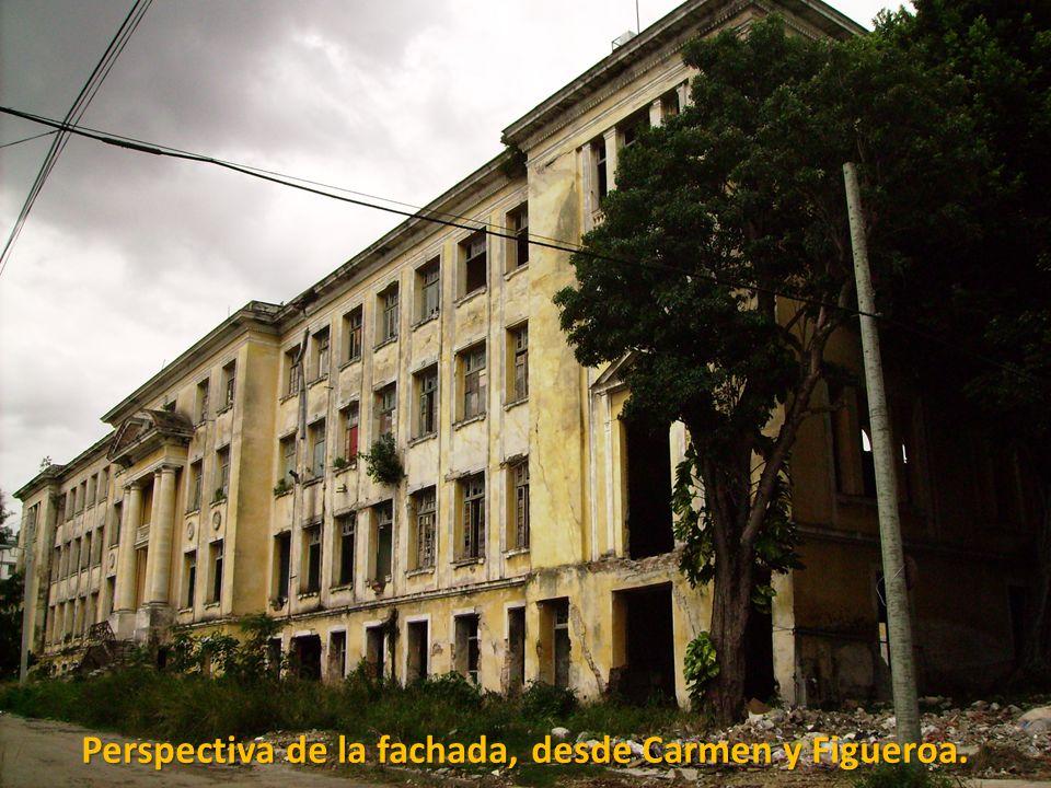 Perspectiva de la fachada, desde Carmen y Figueroa.