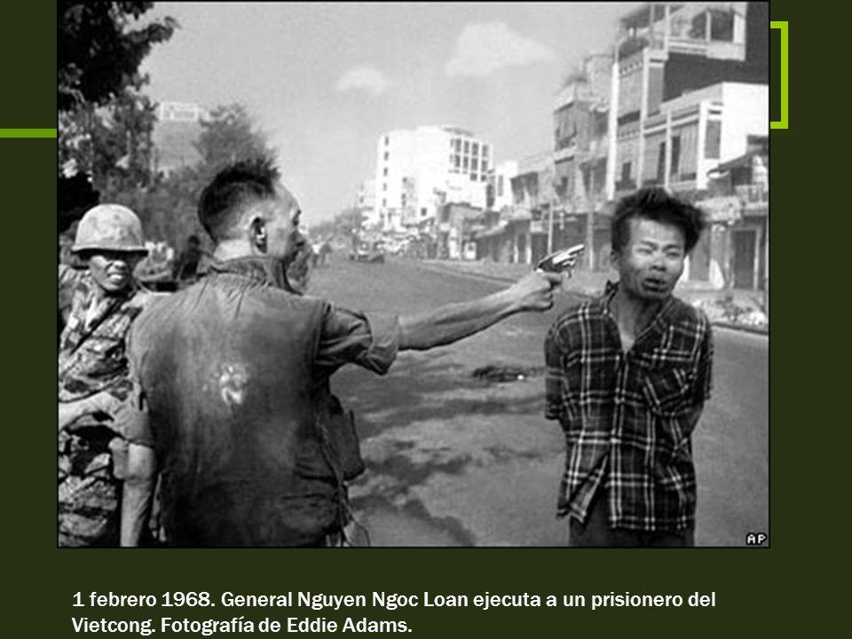 1 febrero 1968. General Nguyen Ngoc Loan ejecuta a un prisionero del Vietcong.