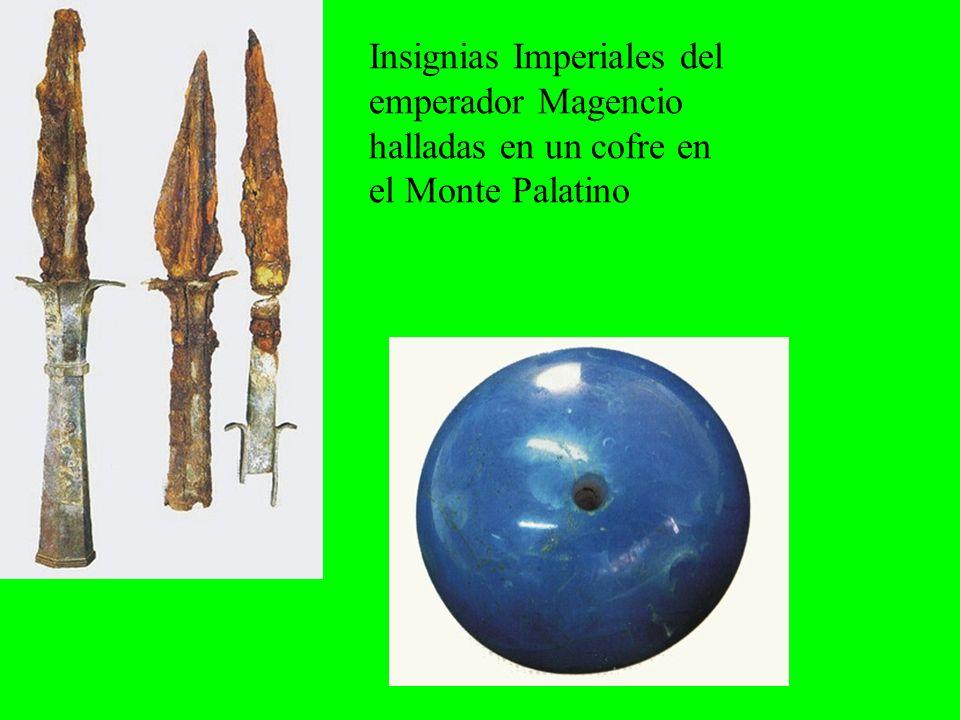 Insignias Imperiales del emperador Magencio halladas en un cofre en el Monte Palatino