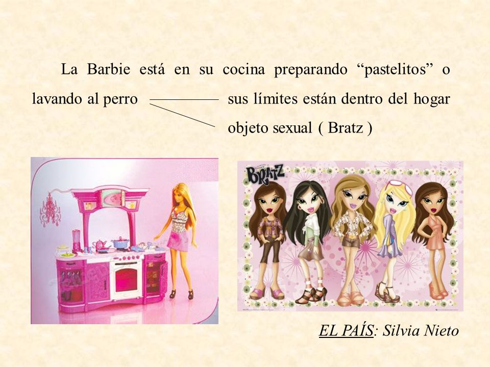 La Barbie está en su cocina preparando pastelitos o lavando al perro