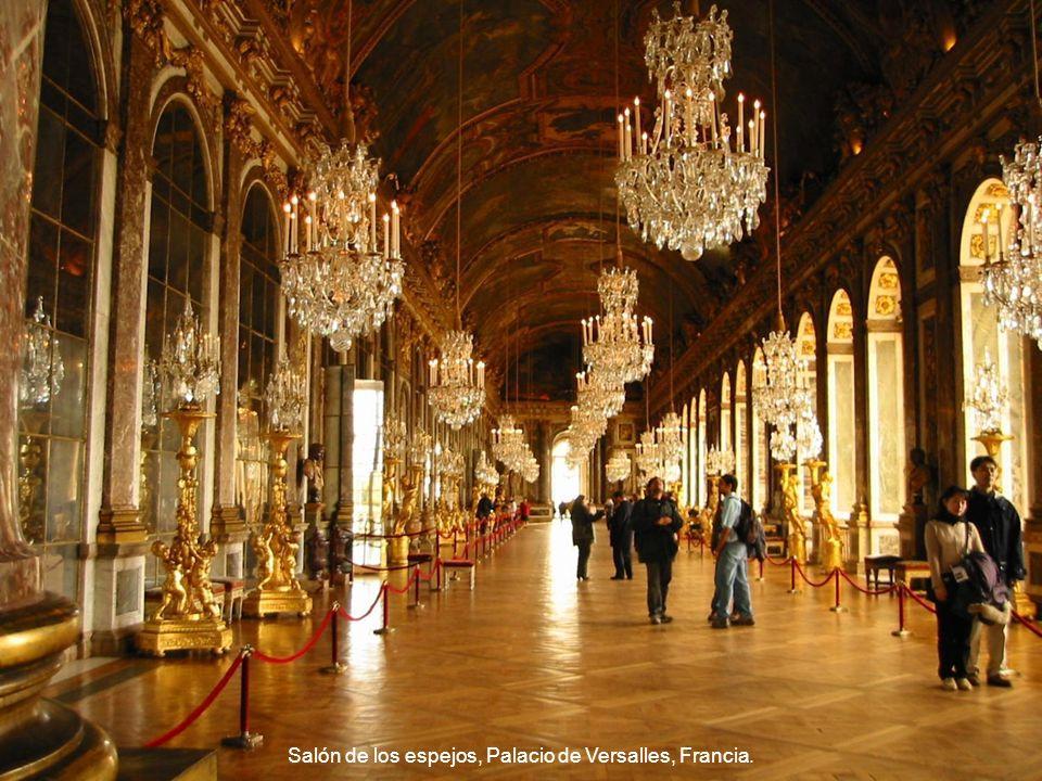 Salón de los espejos, Palacio de Versalles, Francia.