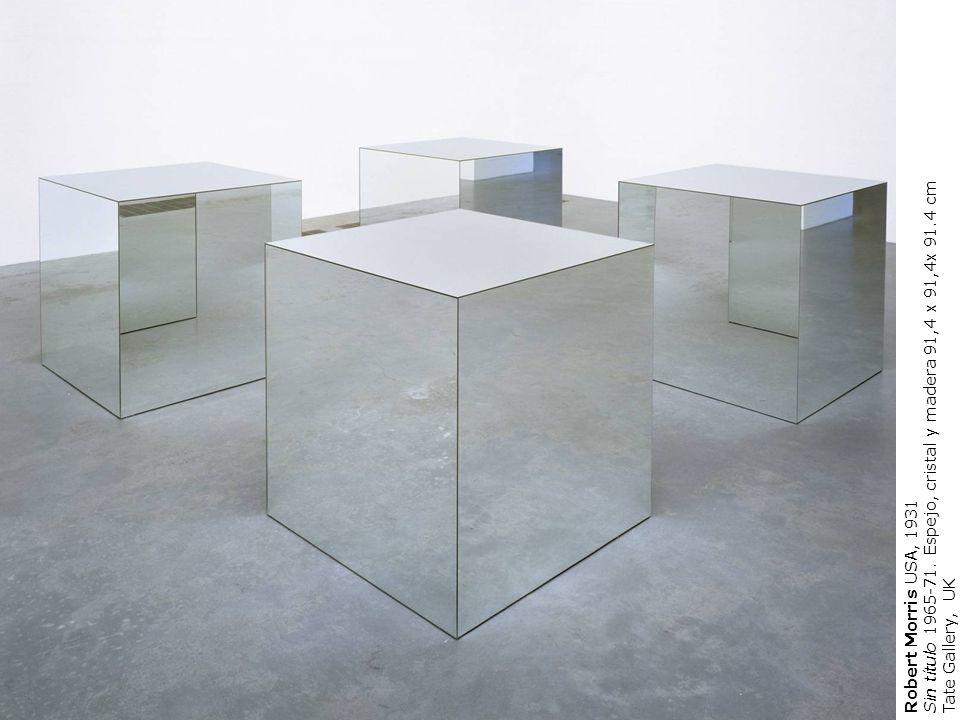 Sin título 1965-71. Espejo, cristal y madera 91,4 x 91,4x 91.4 cm