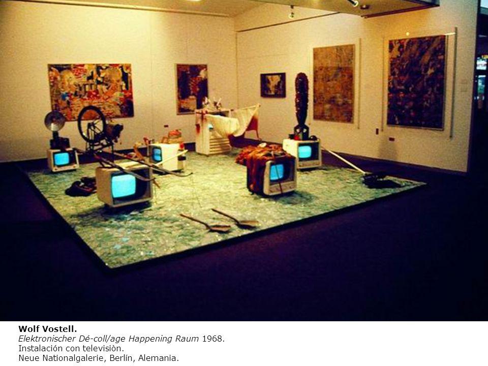 Wolf Vostell. Elektronischer Dé-coll/age Happening Raum 1968.