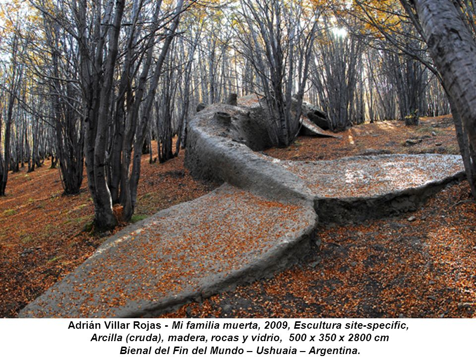 Arcilla (cruda), madera, rocas y vidrio, 500 x 350 x 2800 cm