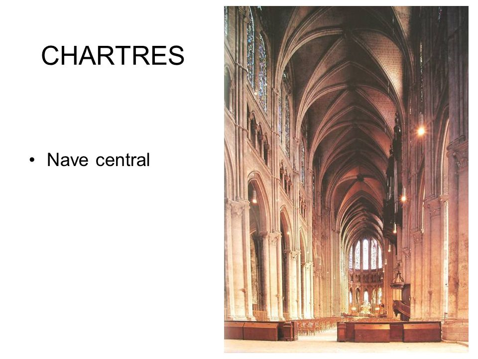 CHARTRES Nave central