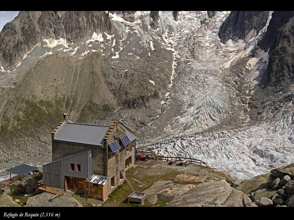 Refugio Torino Refugio de Requin (2.516 m)
