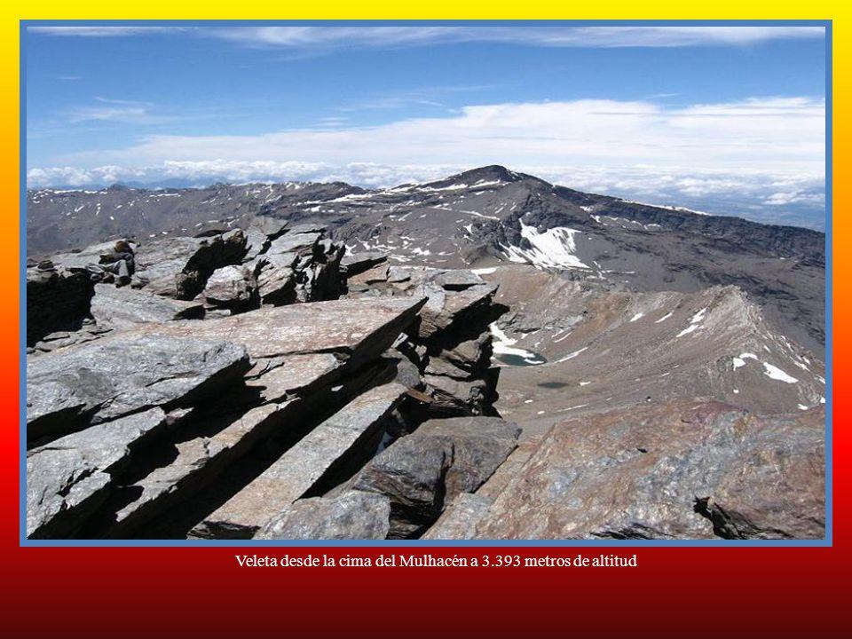Veleta desde la cima del Mulhacén a 3.393 metros de altitud