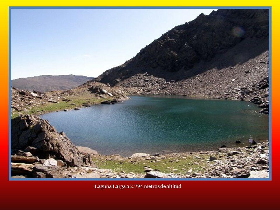 Laguna Larga a 2.794 metros de altitud