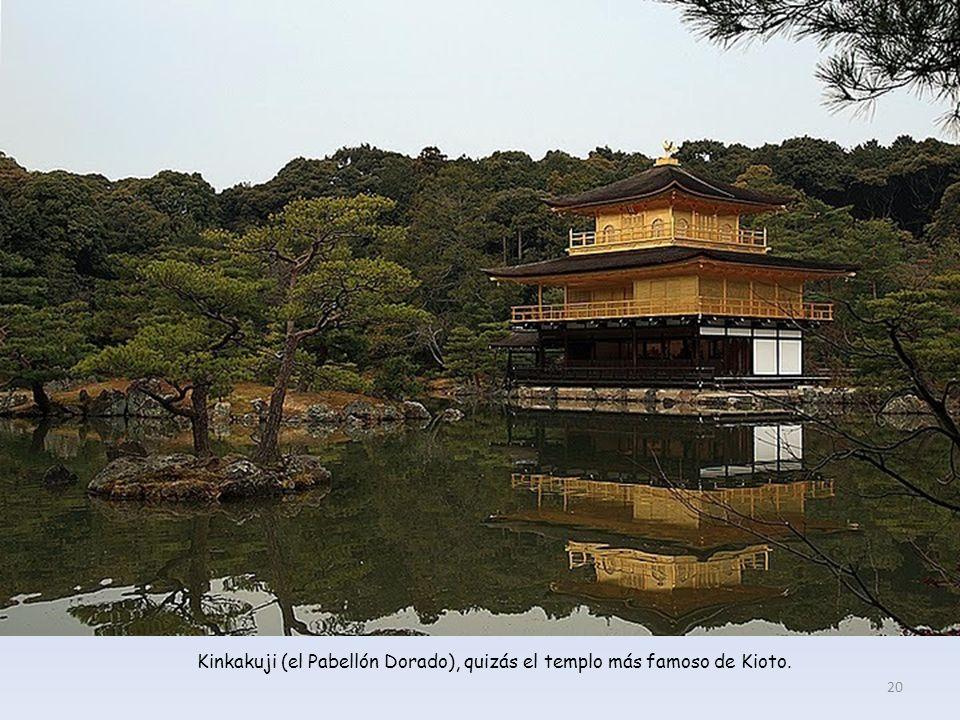 Kinkakuji (el Pabellón Dorado), quizás el templo más famoso de Kioto.