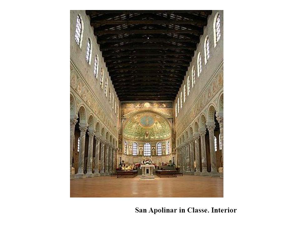 San Apolinar in Classe. Interior