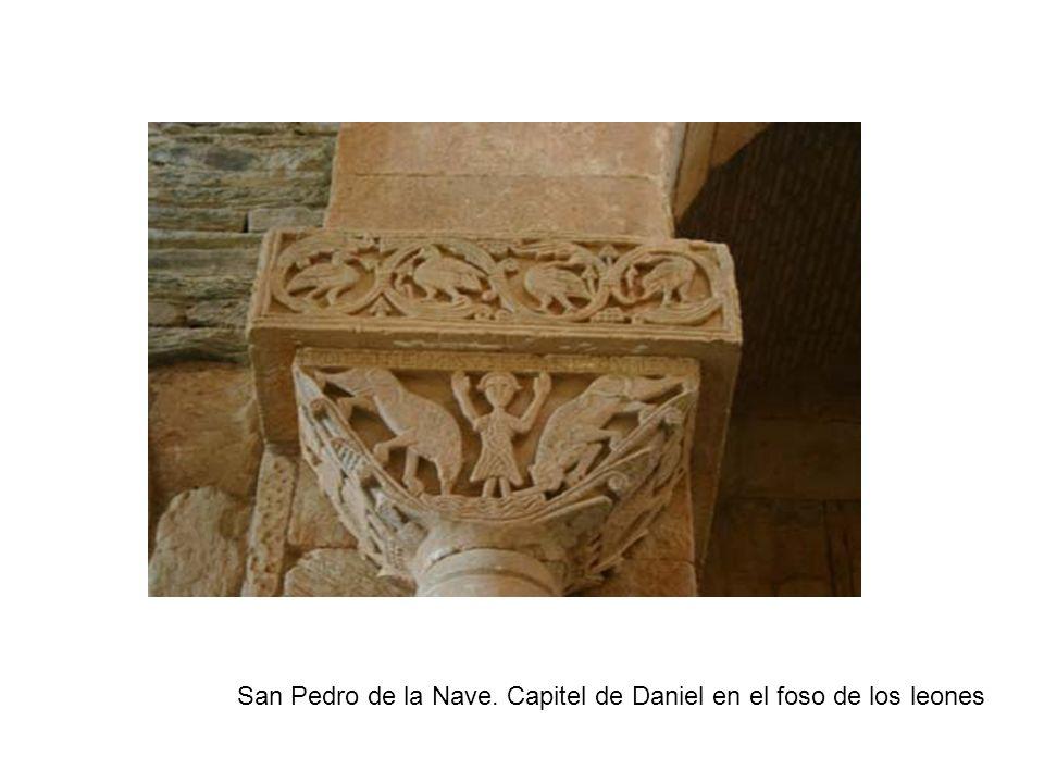 San Pedro de la Nave. Capitel de Daniel en el foso de los leones