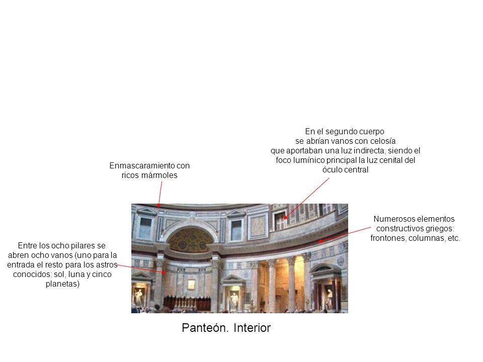 Panteón. Interior En el segundo cuerpo se abrían vanos con celosía