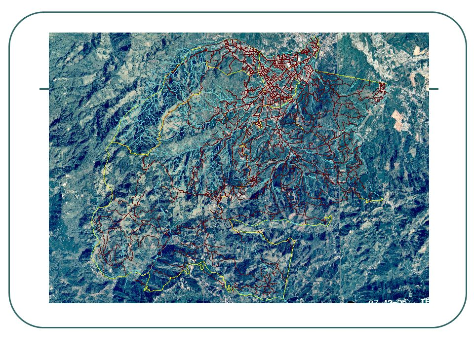 Una de las particularidades del desarrollo urbano en Costa Rica a sido el crecimiento desordenado de los núcleos poblacionales. Con lo cual como pueden observan no puede apreciar un orden lógico en el trazado de las calles.