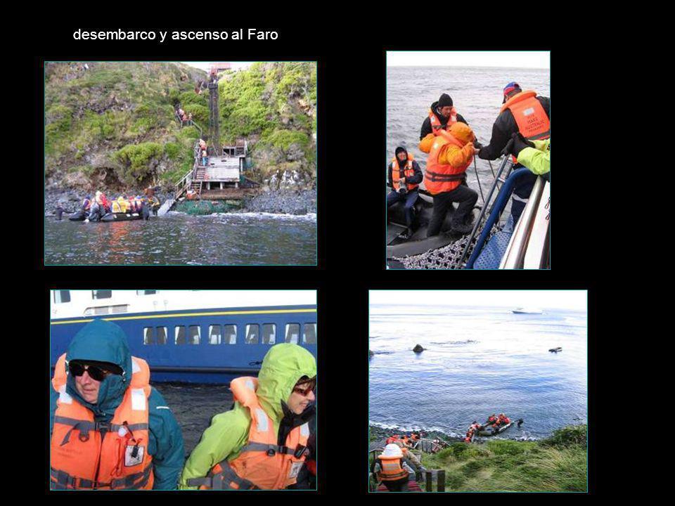 desembarco y ascenso al Faro