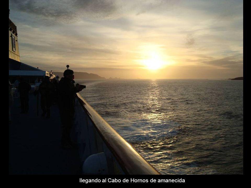 llegando al Cabo de Hornos de amanecida