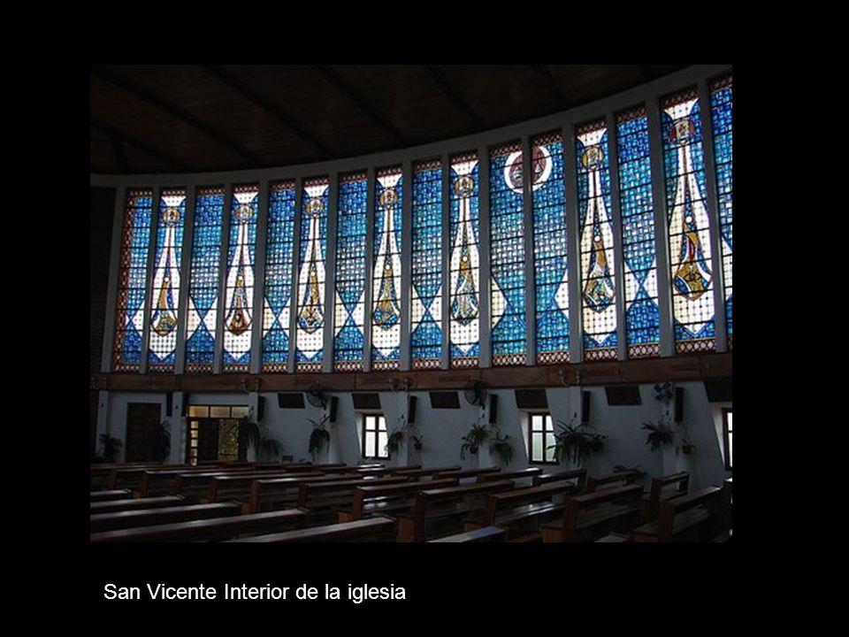 San Vicente Interior de la iglesia