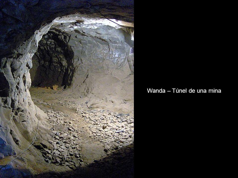 Wanda – Túnel de una mina