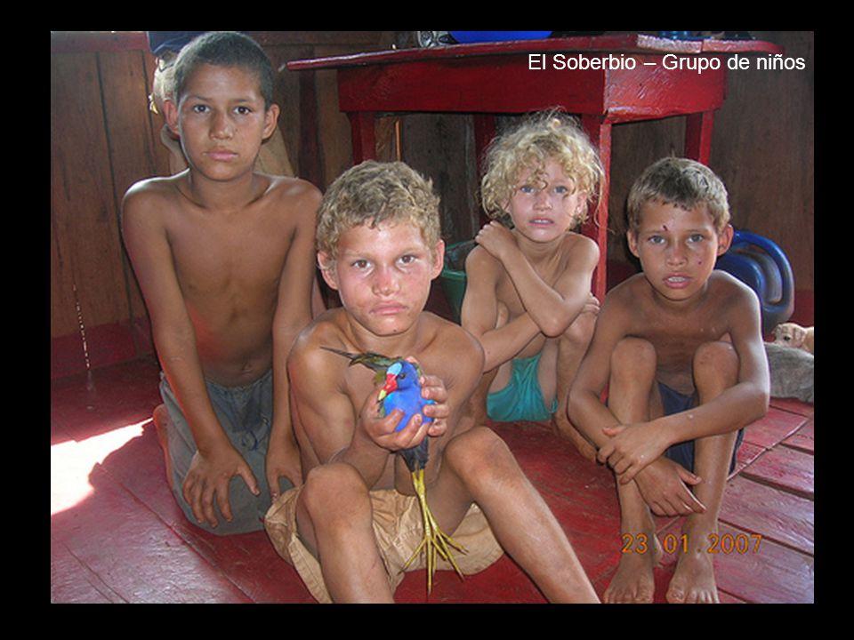El Soberbio – Grupo de niños