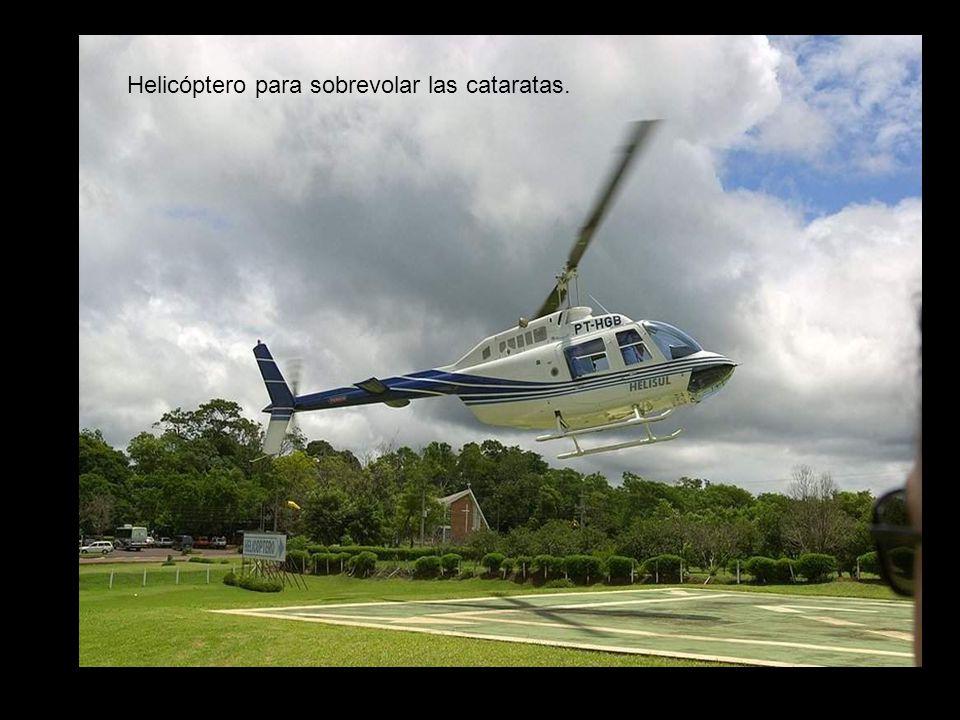 Helicóptero para sobrevolar las cataratas.