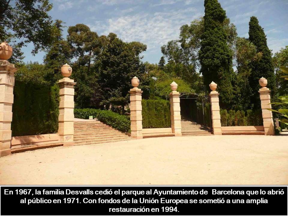 En 1967, la familia Desvalls cedió el parque al Ayuntamiento de Barcelona que lo abrió al público en 1971.
