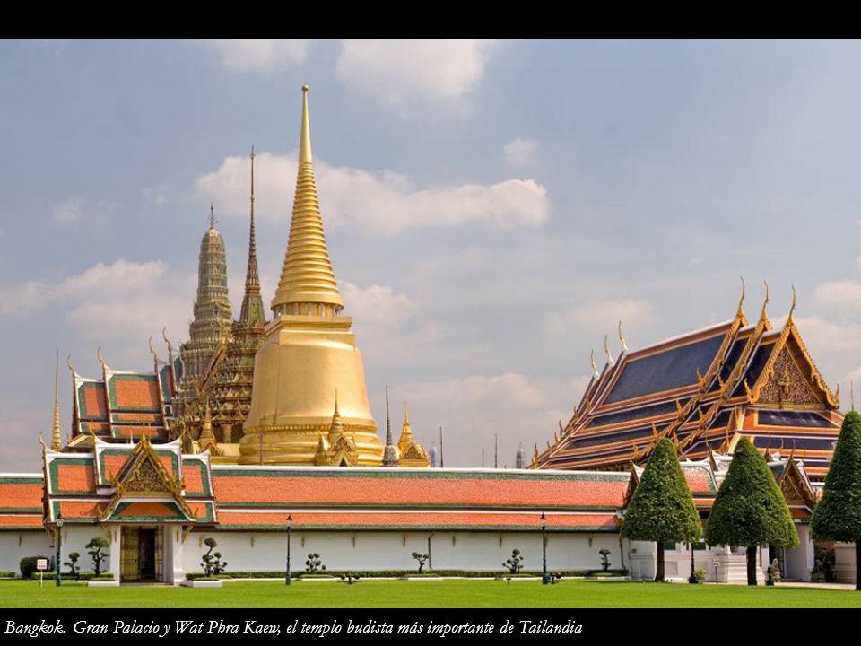 Bangkok. Gran Palacio y Wat Phra Kaew, el templo budista más importante de Tailandia