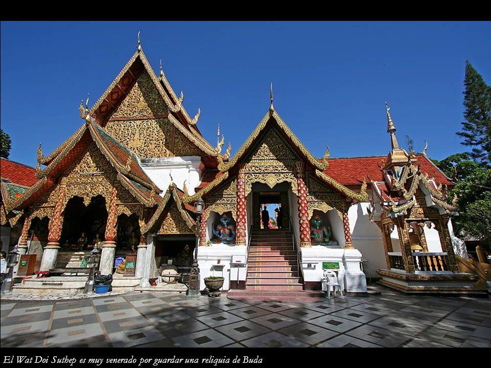 El Wat Doi Suthep es muy venerado por guardar una reliquia de Buda