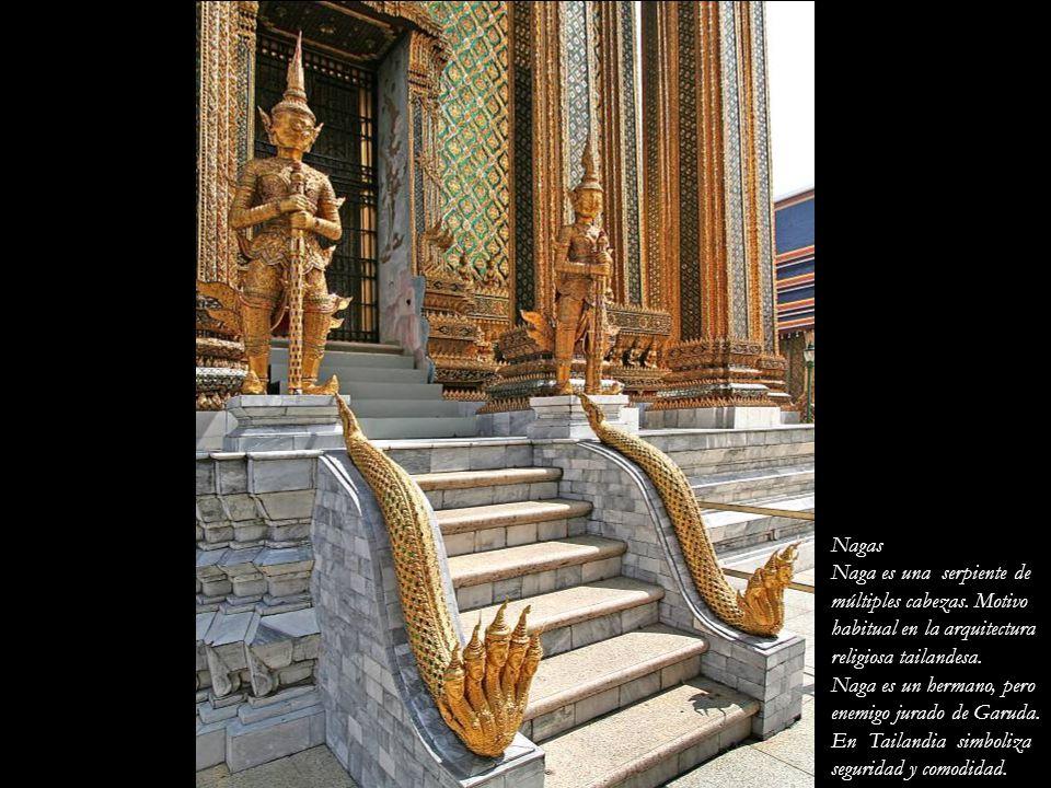 Nagas Naga es una serpiente de. múltiples cabezas. Motivo. habitual en la arquitectura. religiosa tailandesa.
