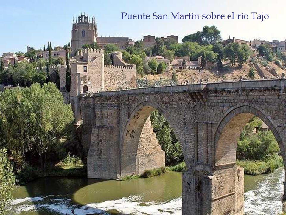 Puente San Martín sobre el río Tajo