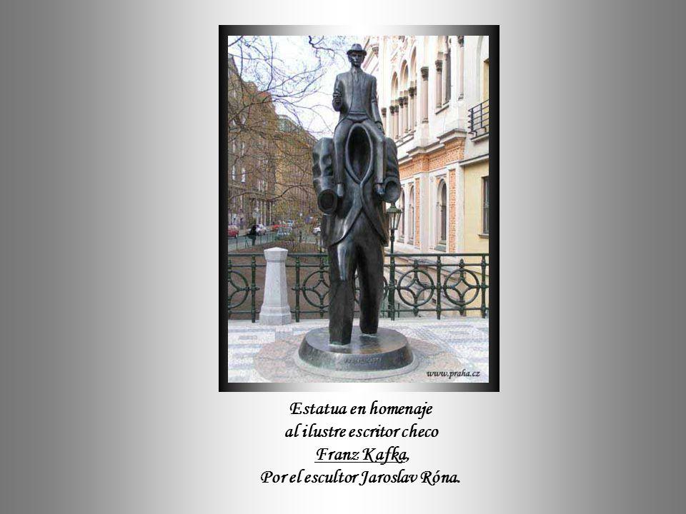 al ilustre escritor checo Por el escultor Jaroslav Róna.