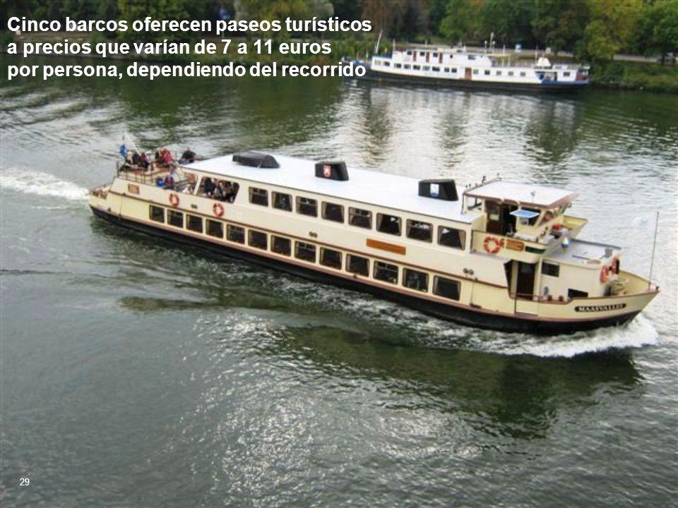 Cinco barcos oferecen paseos turísticos a precios que varían de 7 a 11 euros por persona, dependiendo del recorrido