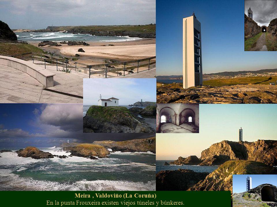 Meira , Valdoviño (La Coruña) En la punta Frouxeira existen viejos túneles y búnkeres.