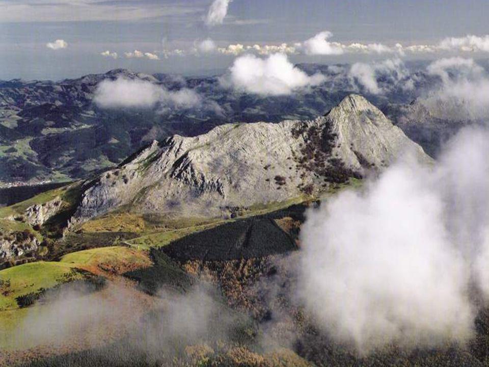 Monte Amboto ( 1.331 m. ) Parque Natural de Urkiola.