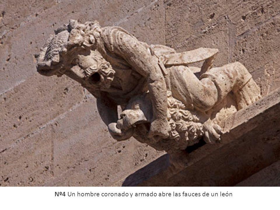 Nº4 Un hombre coronado y armado abre las fauces de un león