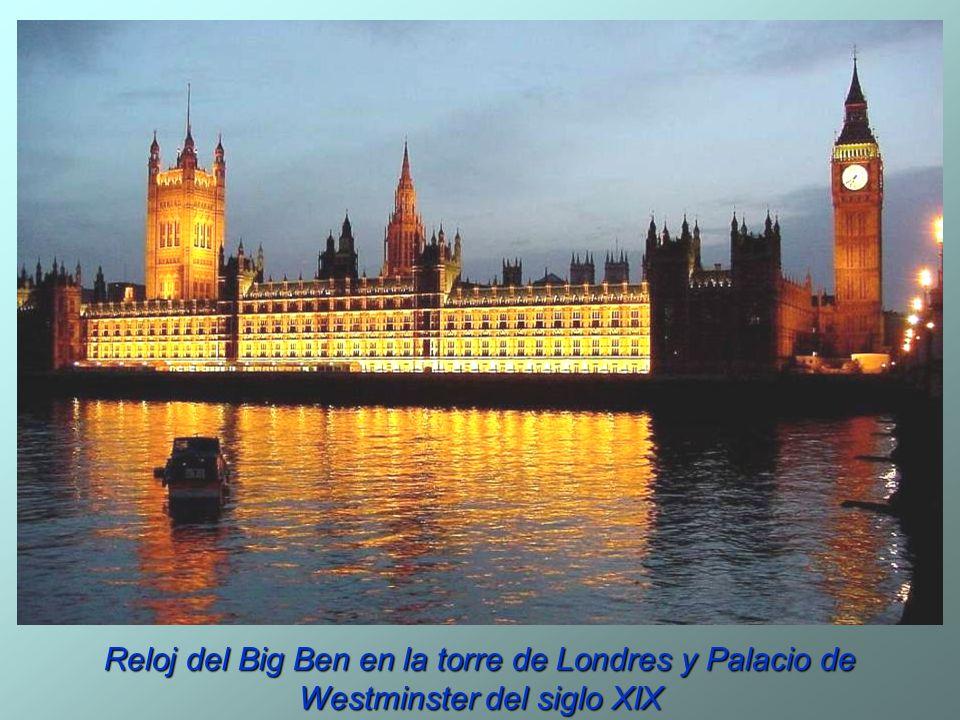 Reloj del Big Ben en la torre de Londres y Palacio de Westminster del siglo XIX