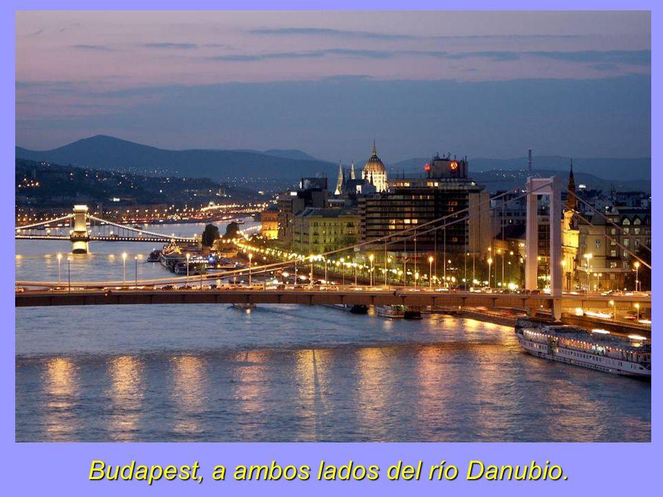 Budapest, a ambos lados del río Danubio.