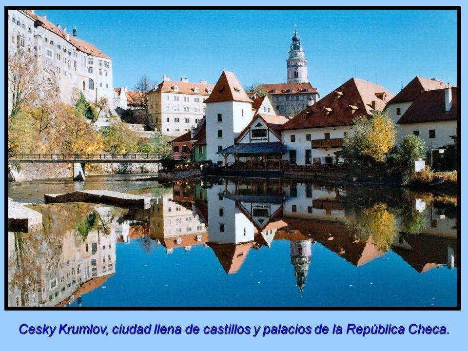 Cesky Krumlov, ciudad llena de castillos y palacios de la República Checa.